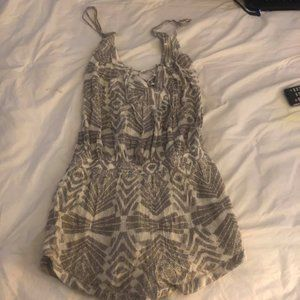 Rip Curl Large Gray and Off White Romper